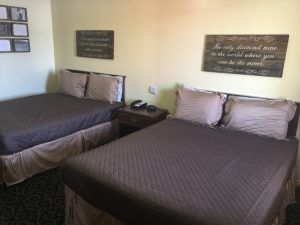 2 Full Beds with Kitchen